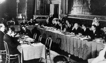 Firma dei trattati per la nascita della Comunità economica europea, Roma, 25 marzo 1957 (Foto: -/AFP/Getty Images).