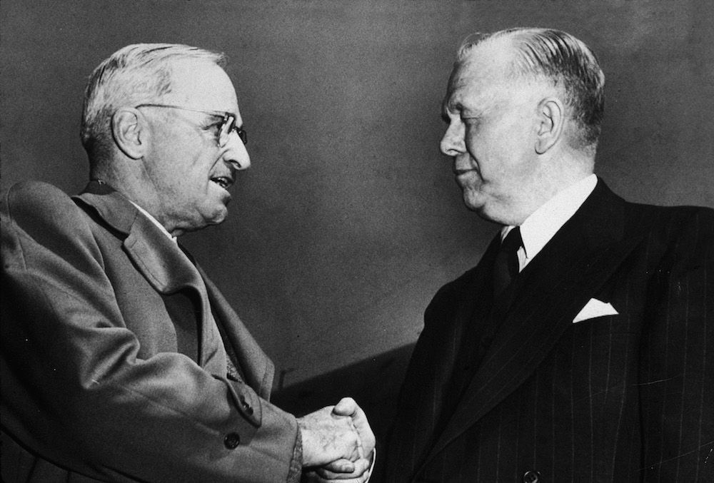 Il presidente usa Harry Truman e il Segretario di Stato George Marshall, maggio 1947. (Foto: Hulton Archive/Getty Images).