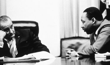 Lyndon Johnson e Martin Luther King, 1965. (Foto: Archive/Getty Images).