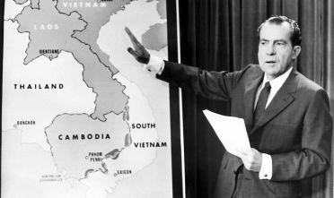 Il presidente Nixon annuncia durante una conferenza stampa l'entrata in Cambogia delle truppe americane, 30 aprile 1970 (Foto: STF/AFP/Getty Images).
