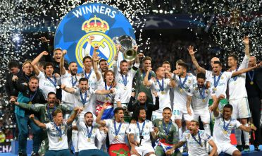 KIEV, UKRAINE - MAY 26:  Sergio Ramos of Real Madrid lifts The UEFA Champions League trophy following their side's victory in the UEFA Champions League Final between Real Madrid and Liverpool at NSC Olimpiyskiy Stadium on May 26, 2018 in Kiev, Ukraine.  (Photo by Shaun Botterill/Getty Images)