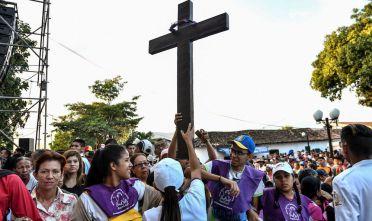 La processione annuale Divina Pastora di Barquisimeto, nello Stato di Lara in Venezuela, gennaio 2018 (Foto: JUAN BARRETO/AFP/Getty Images).