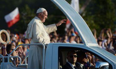 Papa Francesco a Cracovia durante il suo viaggio apostolico in Polonia, 27-31 luglio 2016 (Foto: FILIPPO MONTEFORTE/AFP/Getty Images).