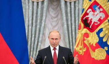 Vladimir Putin durante una cerimonia al Cremlino, 2018 (Photo credit should read PAVEL GOLOVKIN/AFP/Getty Images)