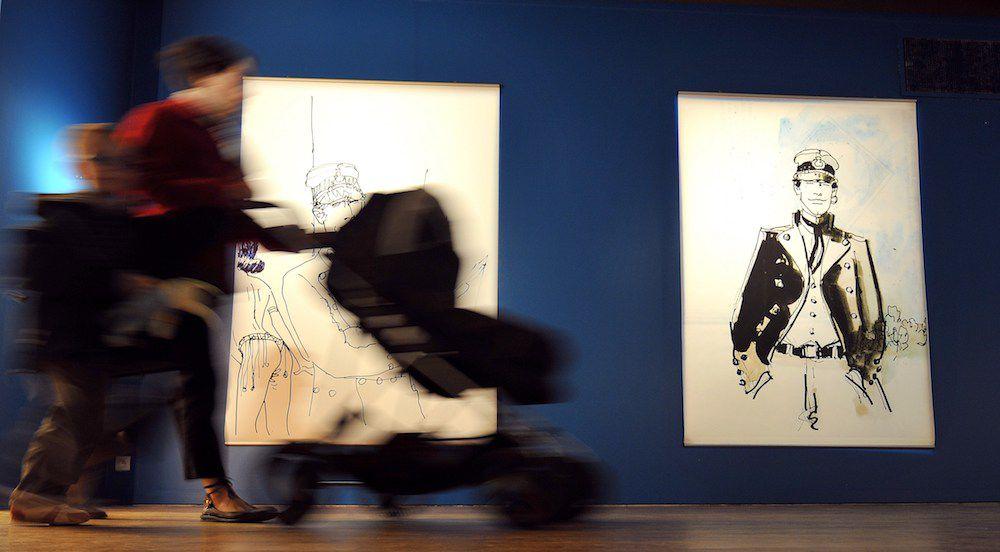 Una mostra in Francia sull'opera del fumettista italiano Hugo Pratt (MYCHELE DANIAU/AFP/Getty Images)