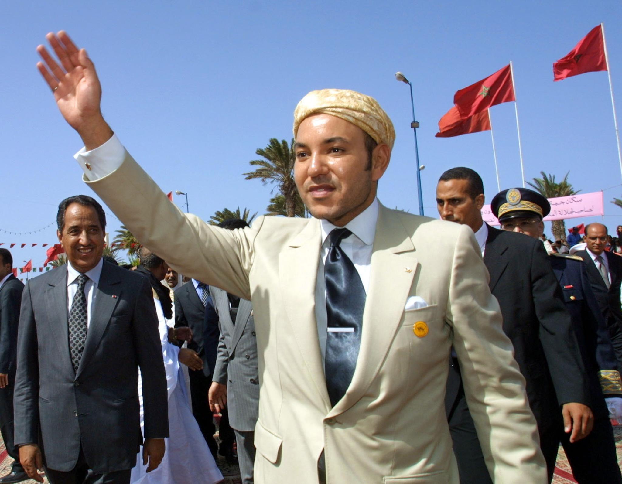 Re Muhammad VI nel 2001 (foto da ABDELHAK SENNA/AFP/Getty Images)
