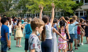 Bambini iniziano l'anno scolastico a Berlino, in Germania il 10 agosto 2020. Foto di Maja Hitij/Getty Images.