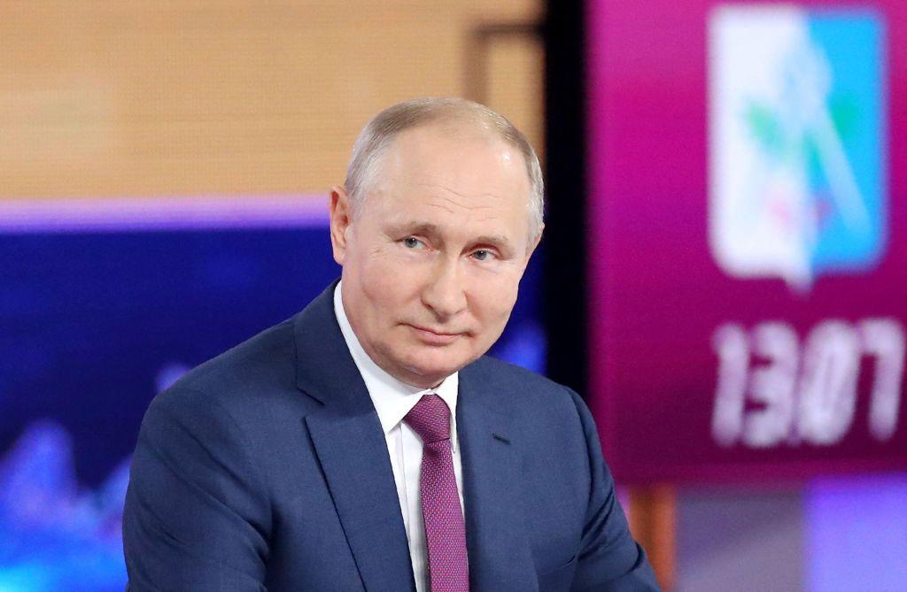 """""""Linea diretta con Vladimir Putin"""" presso il World Trade Center di Mosca, 30 giugno 2021. (Foto di SERGEI SAVOSTYANOV/SPUTNIK/AFP via Getty Images)"""