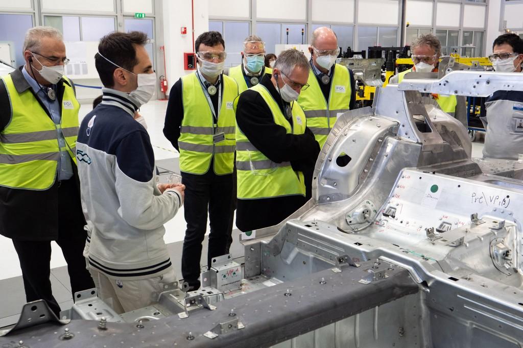 Stellantis: Tavares a Torino, costi fabbriche Italia alti