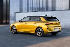 02-Opel-Astra-516123