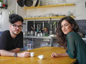 Irene con uno dei suoi amici su Facebook incontrato per un caffè