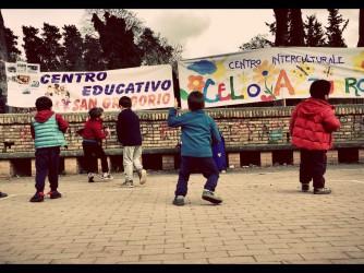 Bambini alla manifestazione di ieri contro la chiusura del Celio azzurro (Foto Shirin Amini)