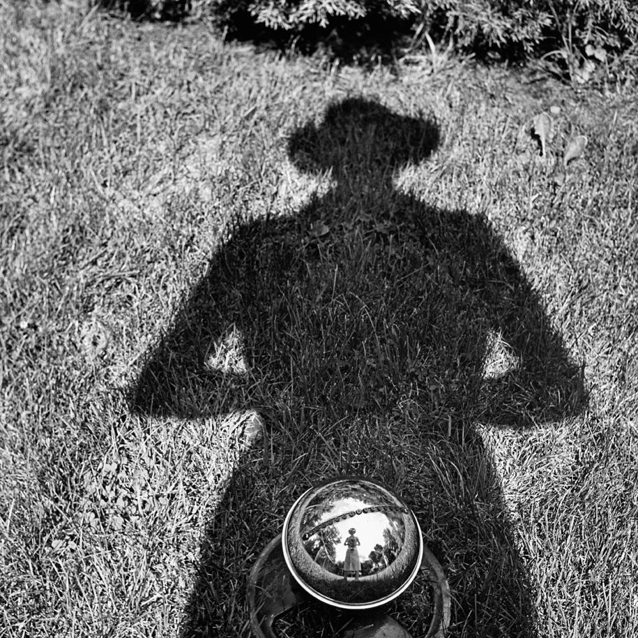 Autoritratto, senza data © Vivian Maier/Maloof Collection, Courtesy Howard Greenberg Gallery, New York.