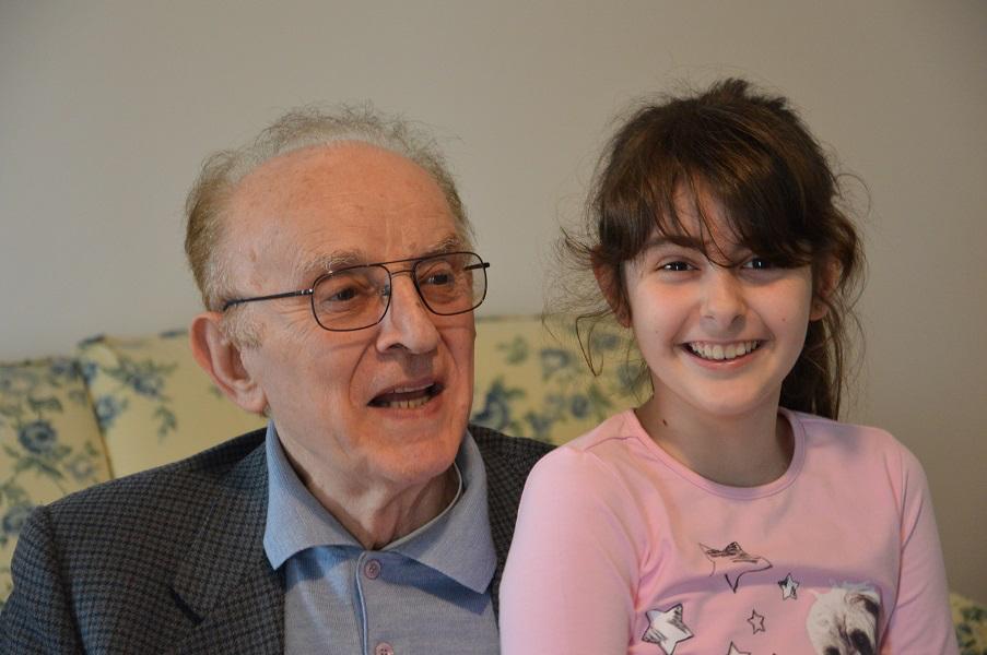Armando con la nipotina Elisa
