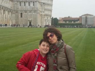 Barbara con il figlio in gita a Pisa