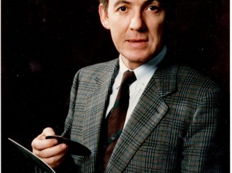 Benedetto Altieri negli Anni 70 con il suo wafer si silicio