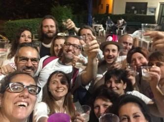 Le mamme festeggiano dopo la vittoria in Consiglio di Stato