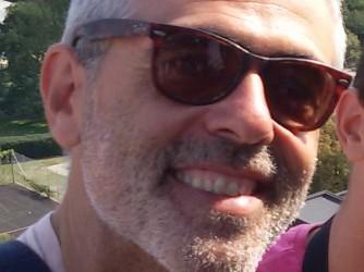 Stefano abita nel quartiere Vasto di Napoli