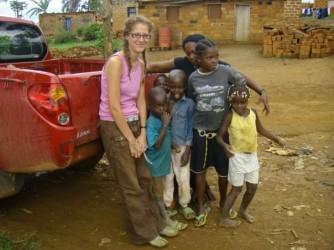 Rosa quando era volontaria in Angola