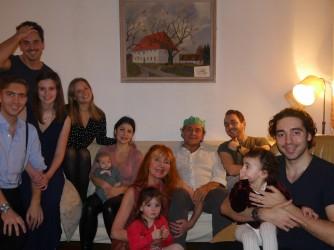 Mario, corona verde, con tutta la sua meravigliosa famiglia