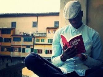 Abdou vicino al Ponte Vecchio quando studiava a Firenze