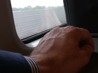 """Alfredo in treno: """"Una foto che per simboleggia la lontananza"""", dice"""