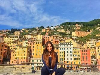 Alessandra studia all'Università di Genova e vuole diventare ricercatrice