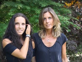 Paola con sua madre Sandra che ha creato il personaggio Aisha