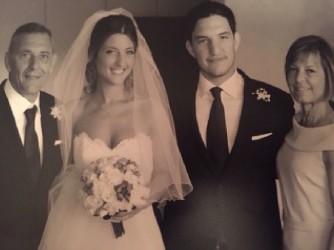 Giuseppe e sua moglie Paola, con i figli Martina e Marco, nel giorno delle nozze di Martina