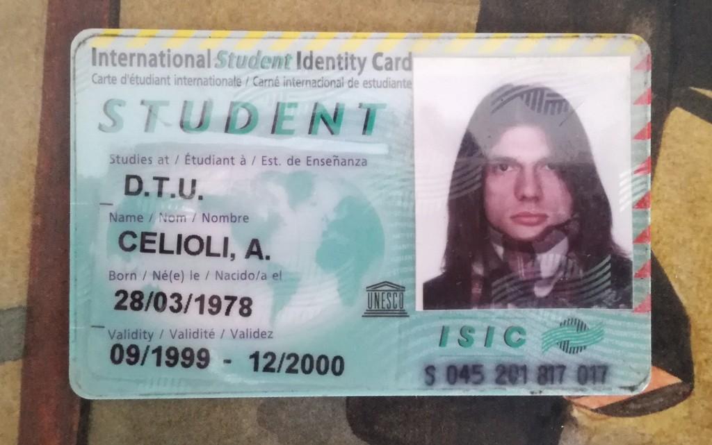 La carta internazionale di studente rilasciata a Alessandro 20 anni fa