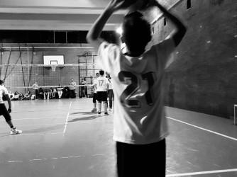 Uno dei figli di Chiara durante una partita di Volley