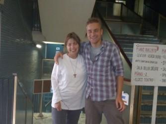 Tommaso con suor Adriana che vive nell'occupazione Spin Lab di Roma