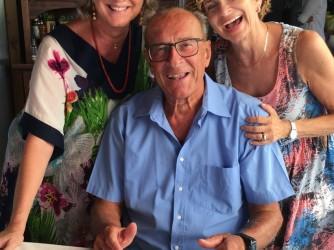 Carlo Alberto nel giorno del suo 85° compleanno con le figlie Carla e Daniela