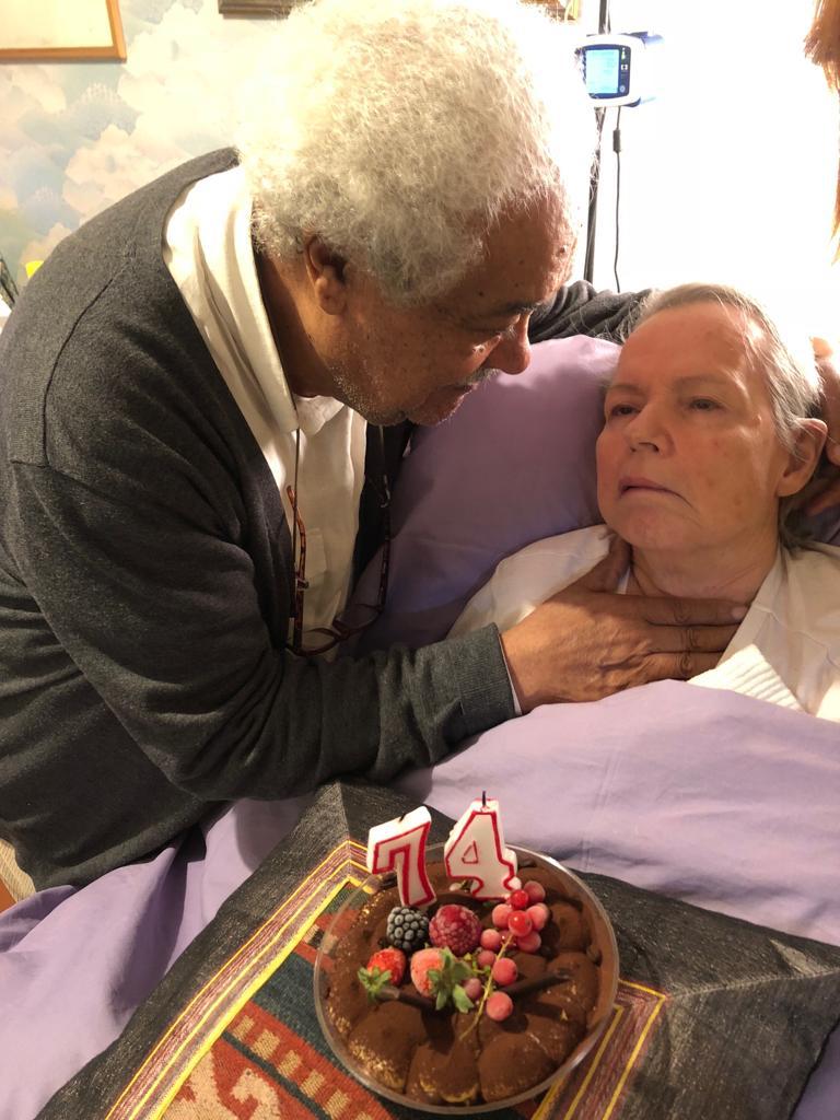 Apostolos con la moglie Annalia qualche mese fa, quando lei ha compiuto 74 anni