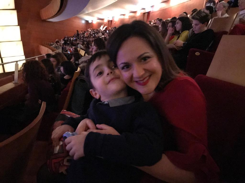 Ilaria e suo figlio Fabrizio a un concerto al teatro degli Arcimboldi, lo scorso inverno