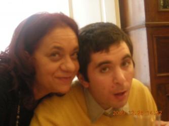 Maria con suo figlio Francesco in una foto di 11 anni fa