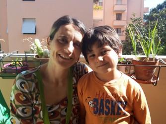 Ilaria con suo figlio Mattia che non riceverà il diplomino di fine materna