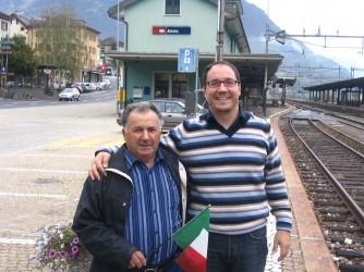 Isidoro con suo padre Luigi ad Ariolo, dove Luigi ha lavorato nel 1964