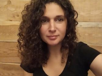 Sara da dieci anni insegna in Francia Italiano