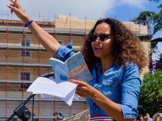 Stella parla in piazza del Popolo, a Roma, durante la manifestazione di domenica scorsa