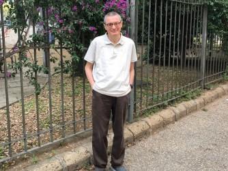 Vittorio fa l'insegnate e ha voluto raccontare la storia, a lieto fine, di un amico medico