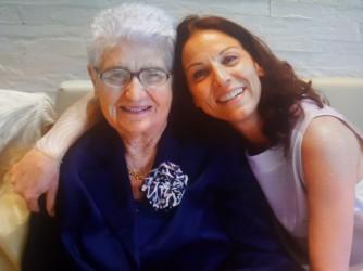 Angela con sua madre Felicia che a Castel di Lama tutti conoscevano come Felicetta