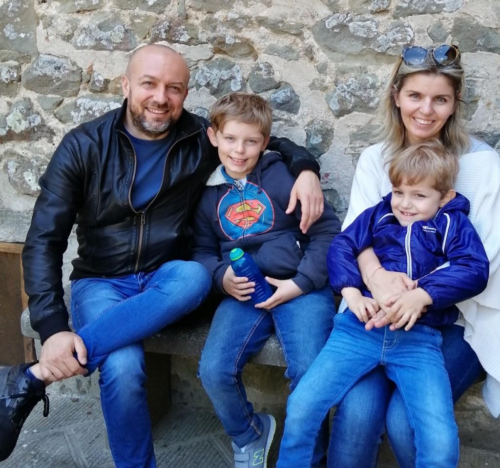 Giulia con il marito Gilberto e i figli Giovanni e Alberto