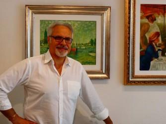 Miche con alcune copie che ha fatto di grandi quadri dell'Impressionismo