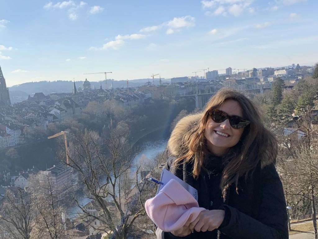 Carmen Chiara durante un viaggio all'estero, quando la pandemia era lontana e la vita scorreva felice