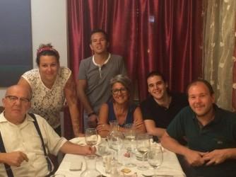 Da sinistra Pietro, sua figlia Giorgia, suo figlio Luca, la moglie di Pietro Manuela, il figlio Stefano, e l'altro figlio Michele