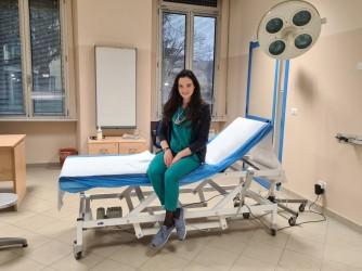 Serena fotografata in uno degli ambulatori dove presta servizio