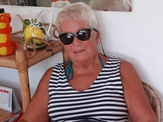 Gabriella ha avuto una vita molto intensa, ha studiato alla Bocconi, poi ha insegnato matematica, restata vedova si è dedicata agli altri