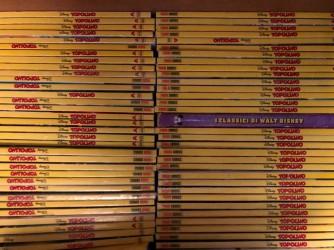 Parte dei Topolino presenti nella libreria della casa dell'autrice del blog