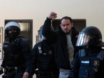 Pablo Hasel, rapper catalano, arrestato e condannato a 9 mesi per una canzone su l'ex re Juan Carlos